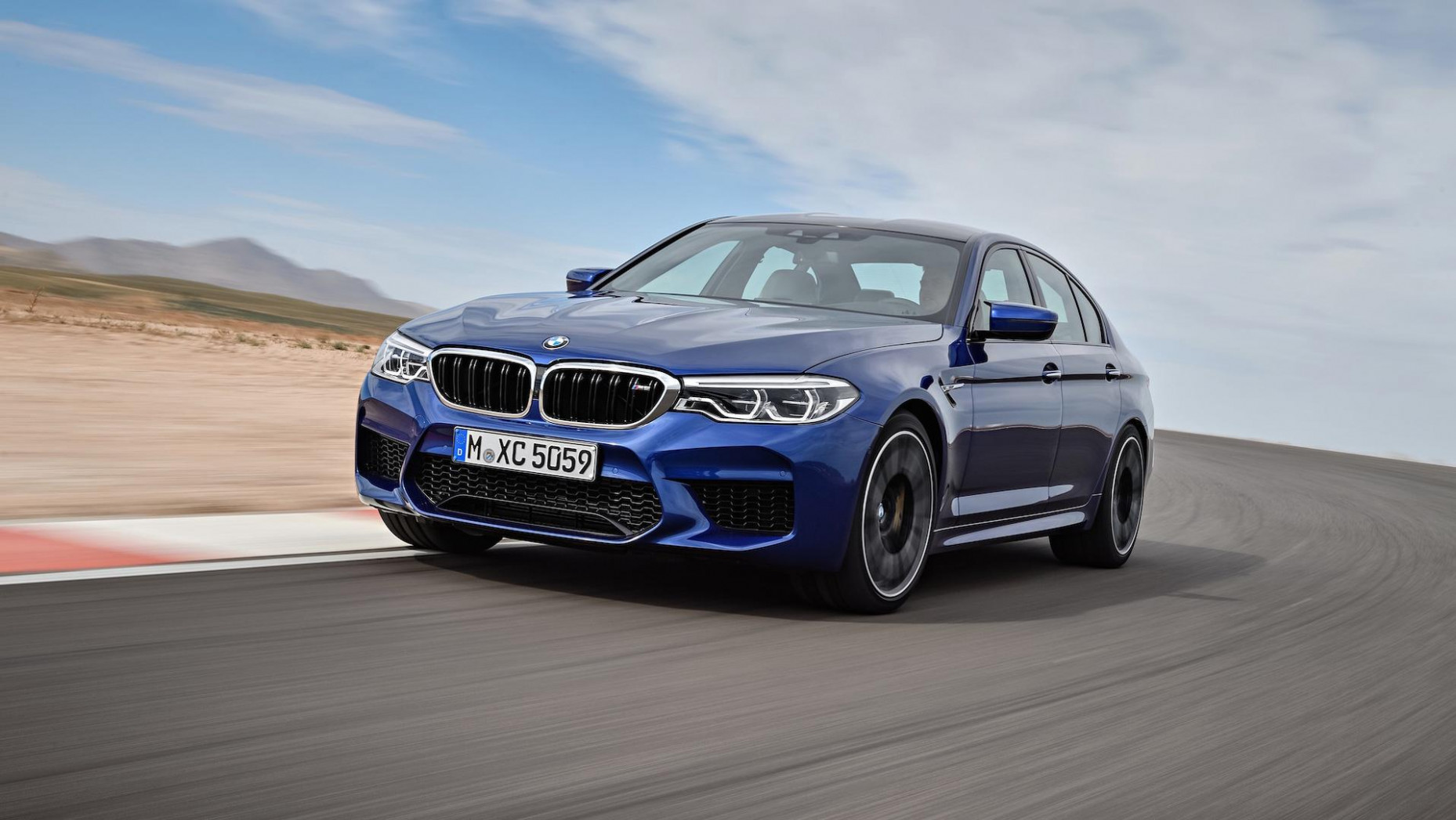 Review 2022 BMW M5 Xdrive Awd