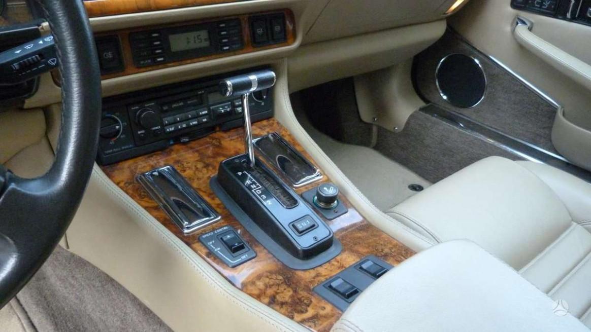 Model 2022 Jaguar Xj Coupe