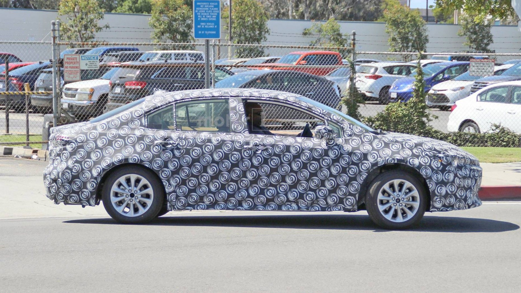 Concept and Review 2022 New Toyota Avensis Spy Shots