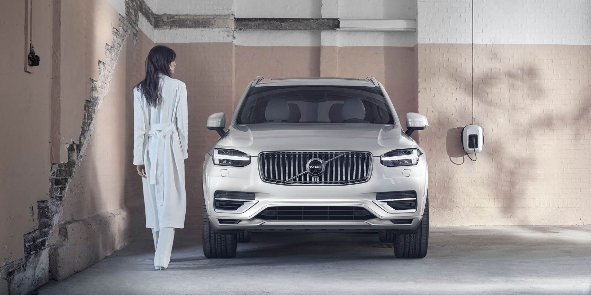 Redesign and Review Volvo All Electric By 2022