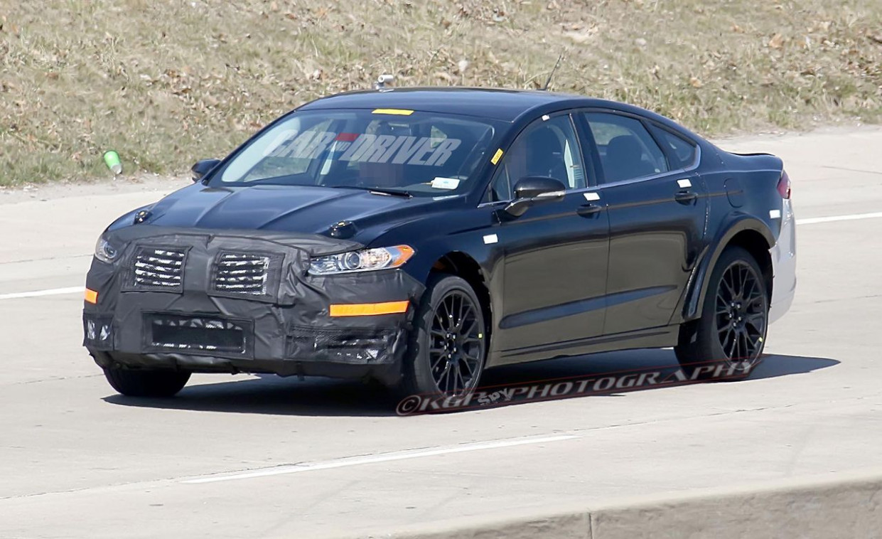 Pictures 2022 Lincoln MKS Spy Photos