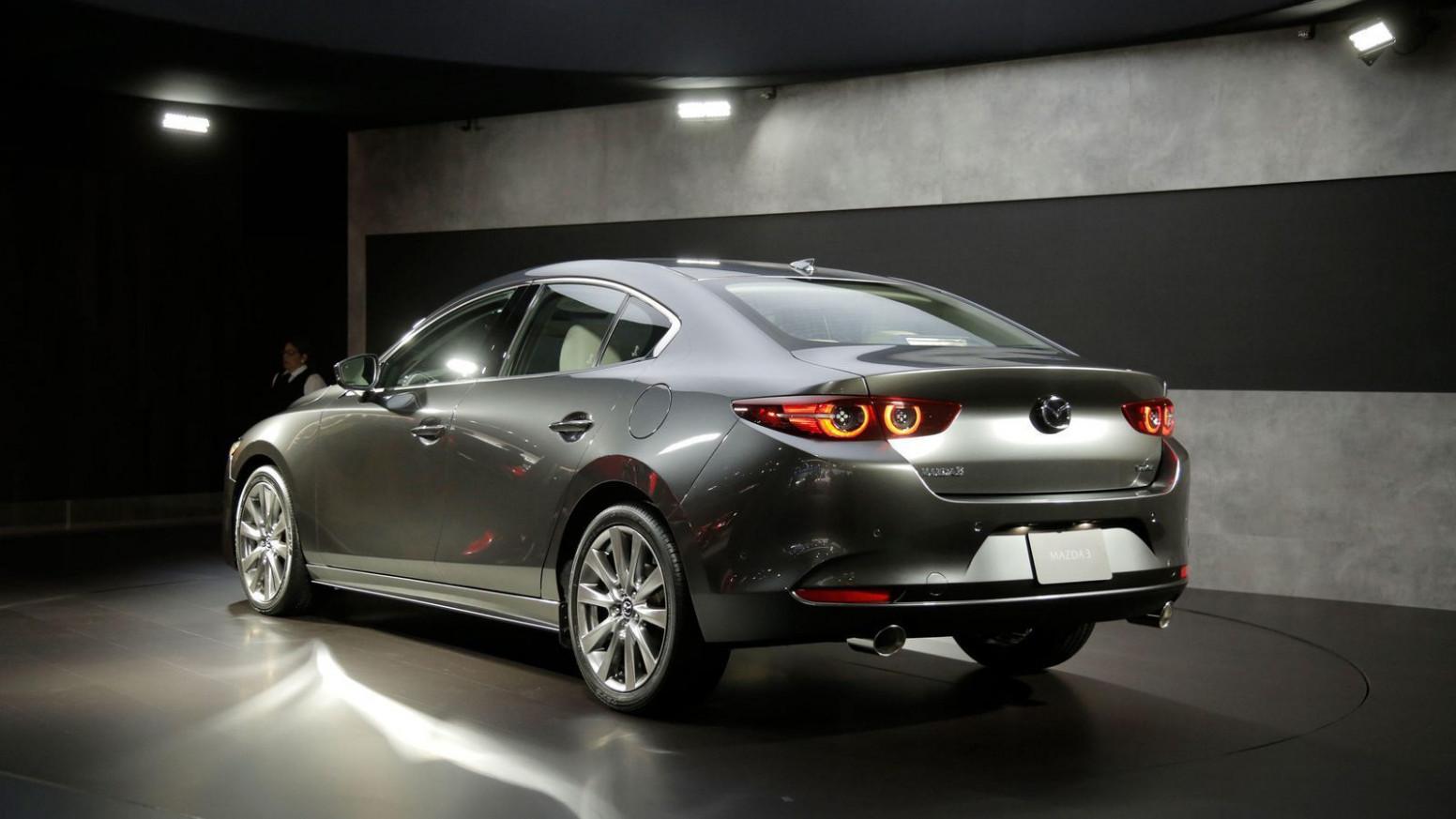 Research New Mazda Biante 2022