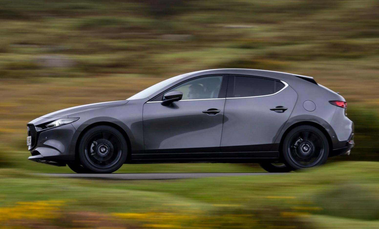 Picture 2022 Mazda 3 Hatch