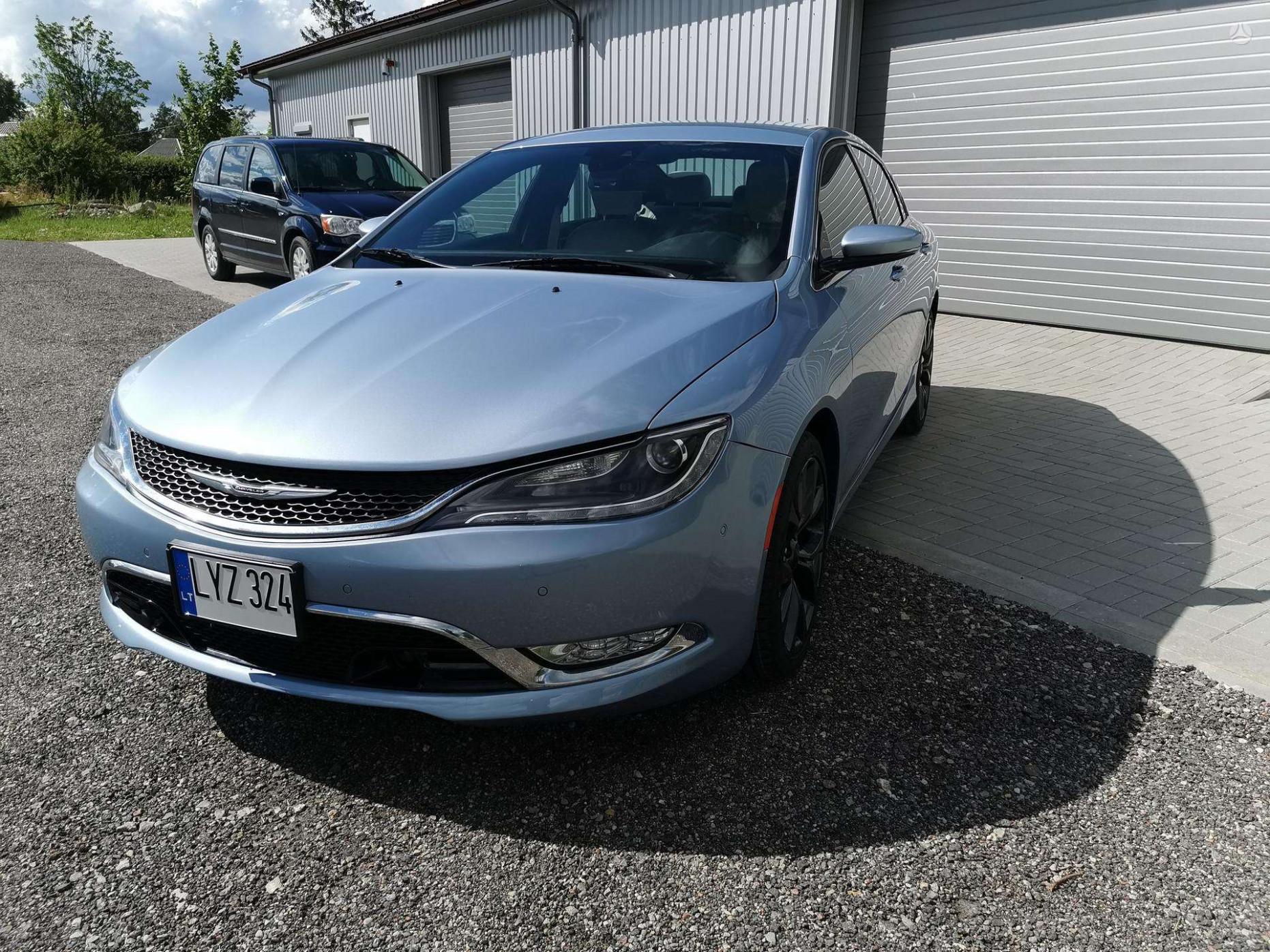Pictures 2022 Chrysler 100 Sedan