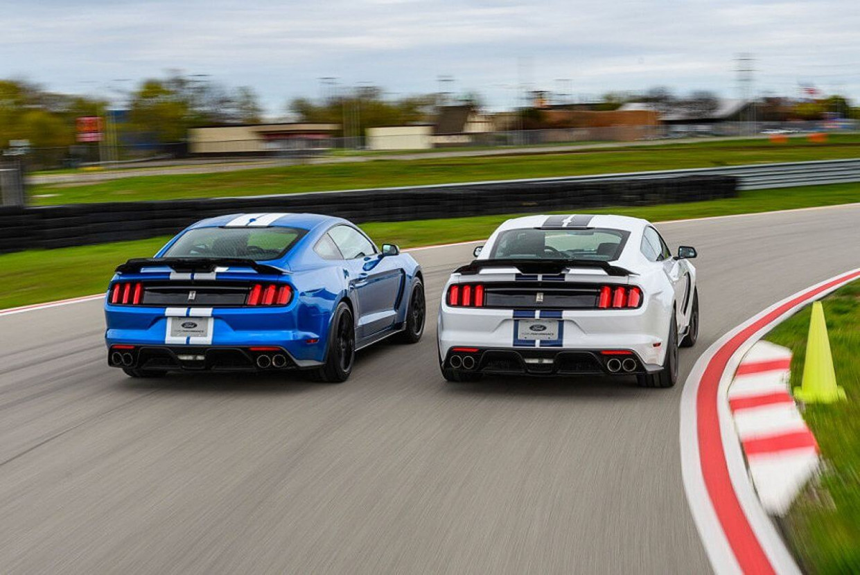 Configurations 2022 Ford GT350
