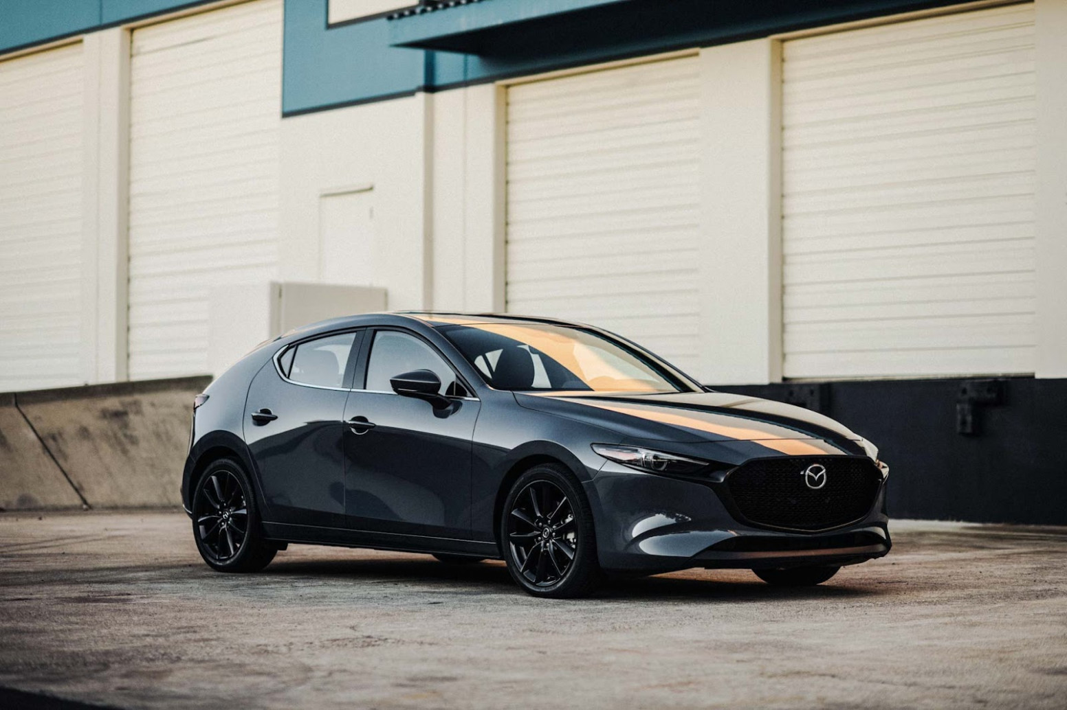 Research New 2022 Mazda 3 Hatch