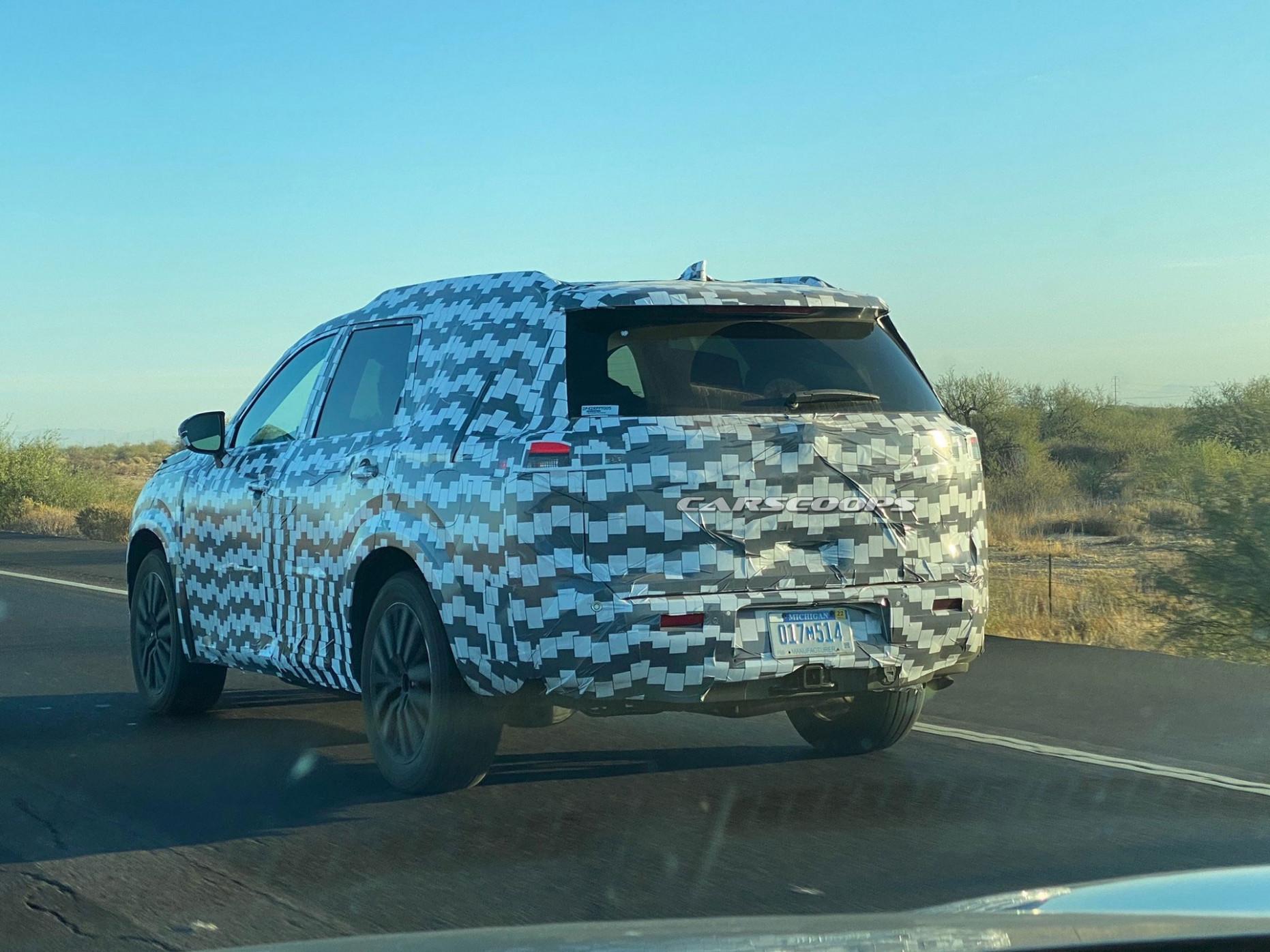Pictures 2022 Nissan Pathfinder Hybrid