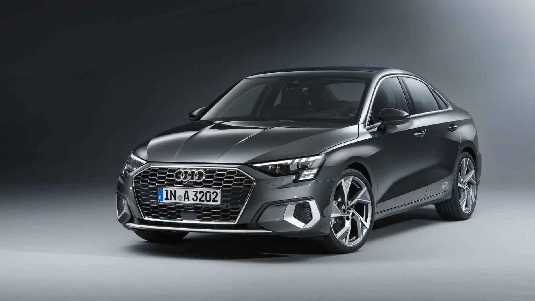 First Drive Audi A4 2022 Interior