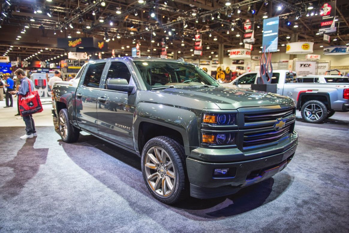 First Drive 2022 Chevy Avalanche