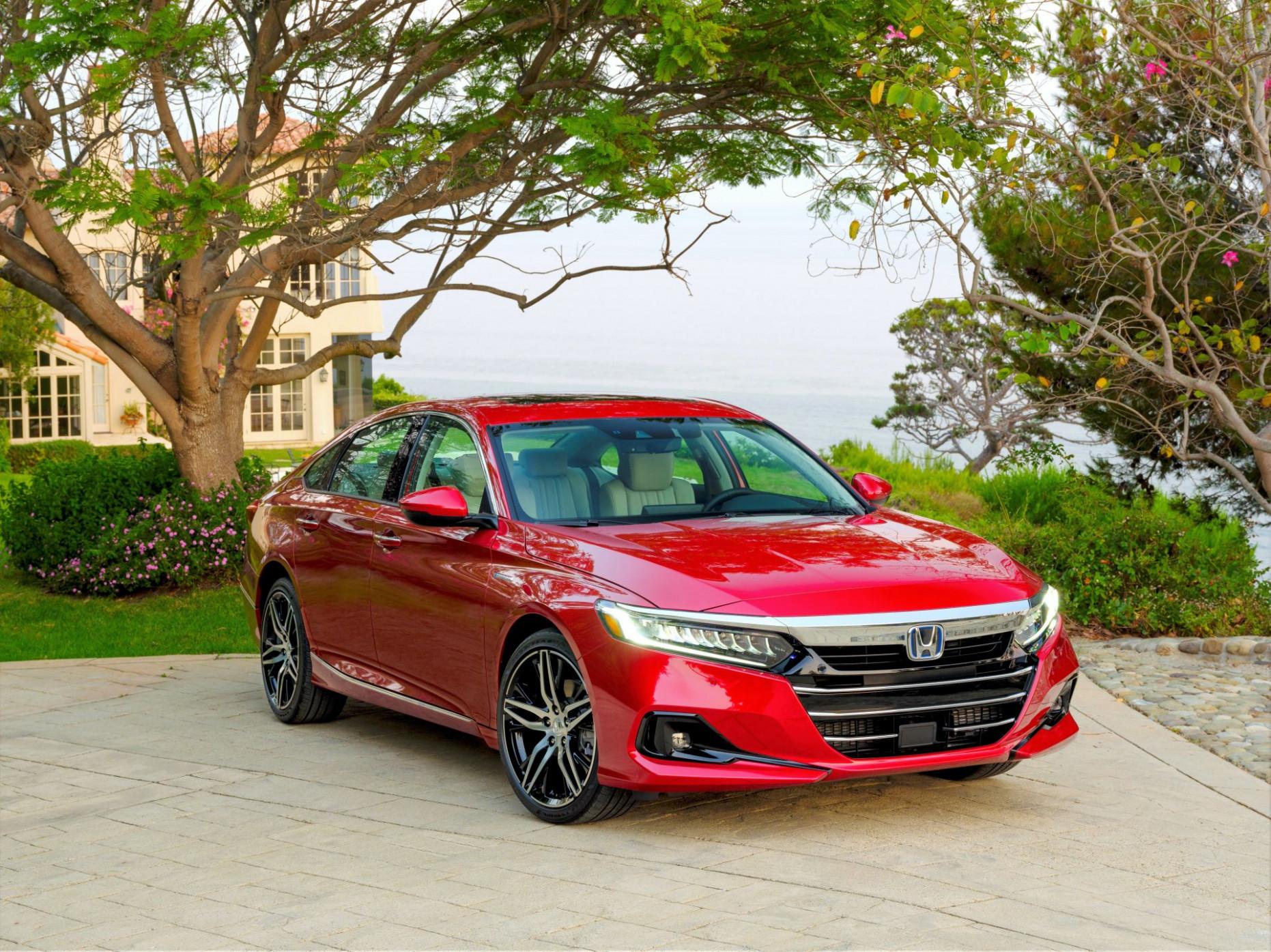 Research New 2022 Honda Accord Hybrid