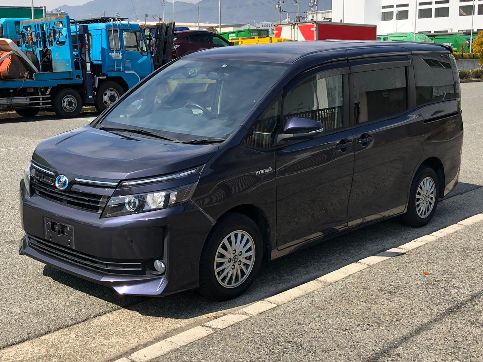 Picture Toyota Voxy 2022