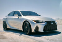 new model and performance 2022 lexus is350