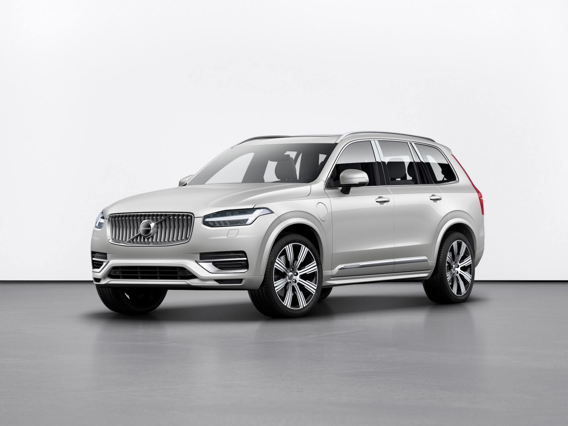 Spesification Volvo All Electric By 2022