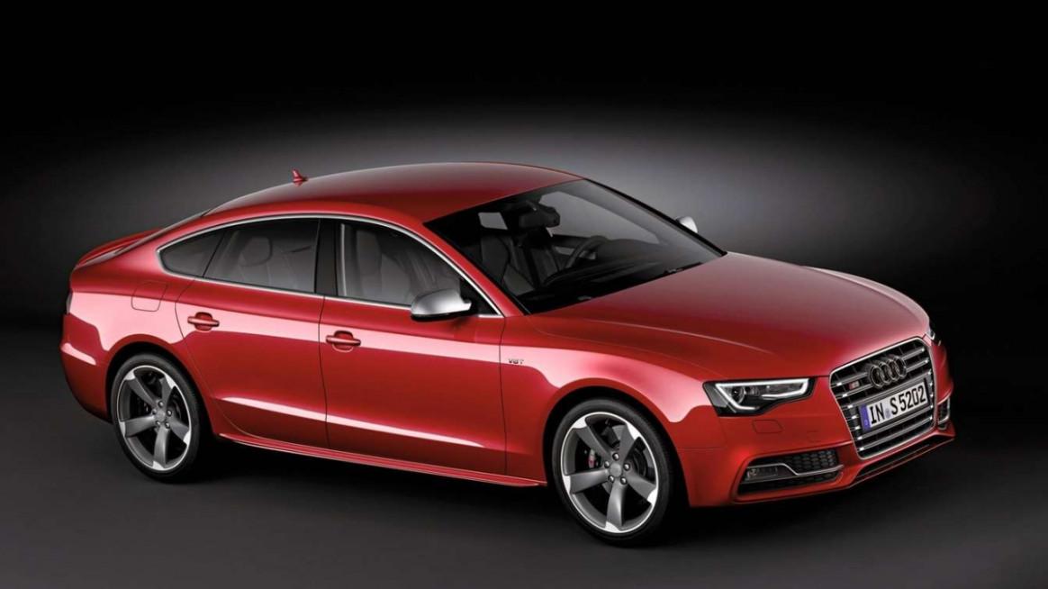 Model Audi S52022