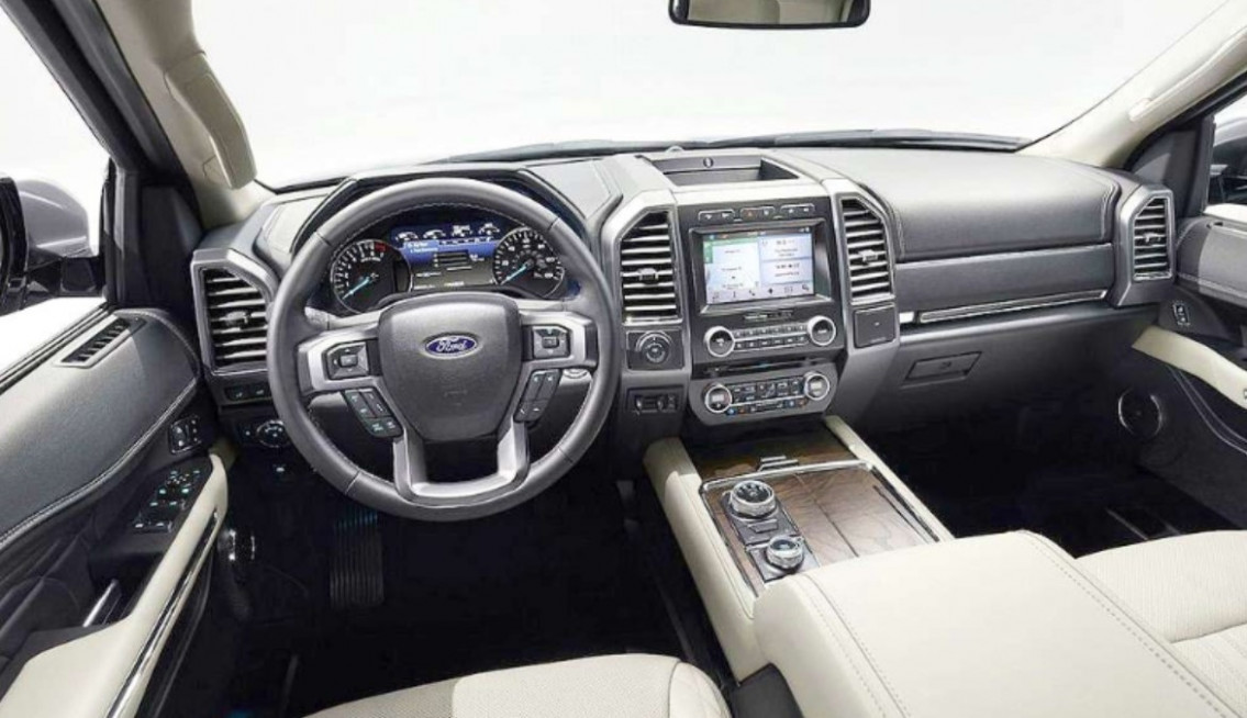 Spy Shoot 2022 Ford Excursion Diesel