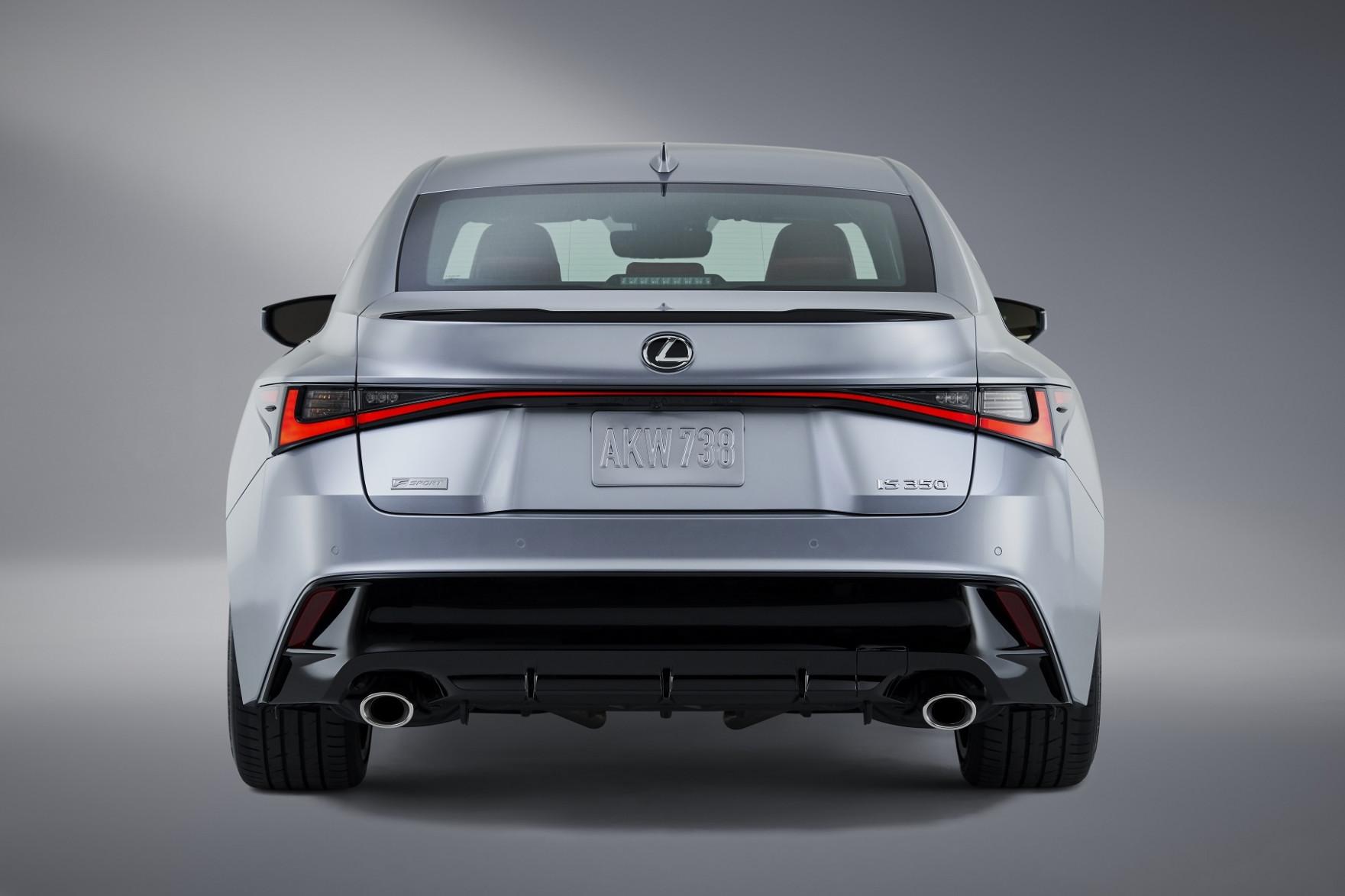 Overview 2022 Lexus IS350