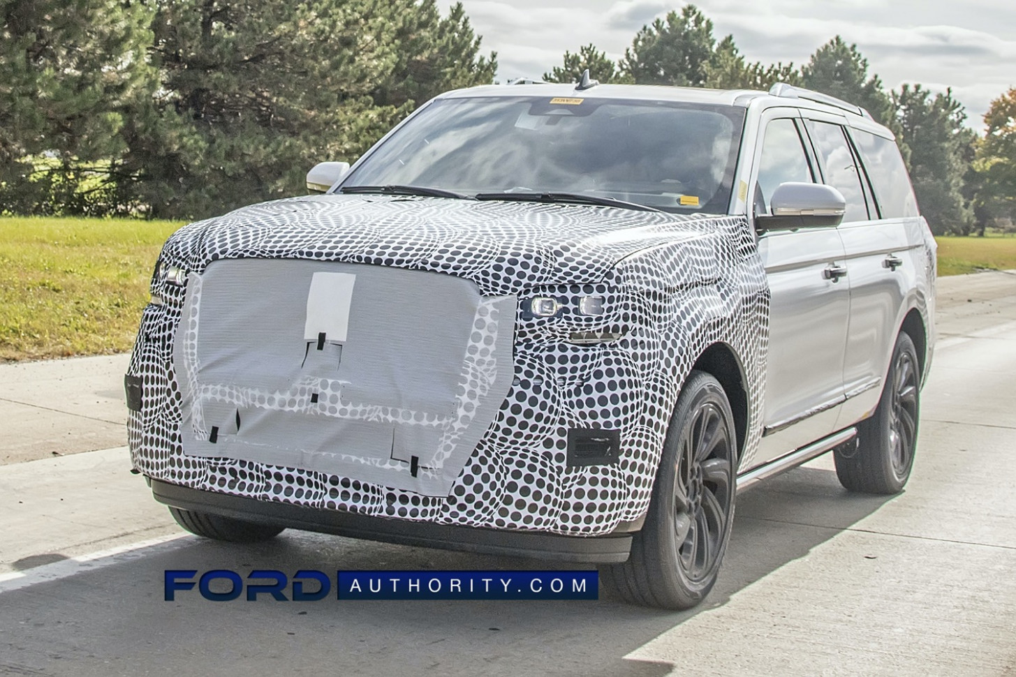 Specs and Review 2022 Lincoln MKS Spy Photos