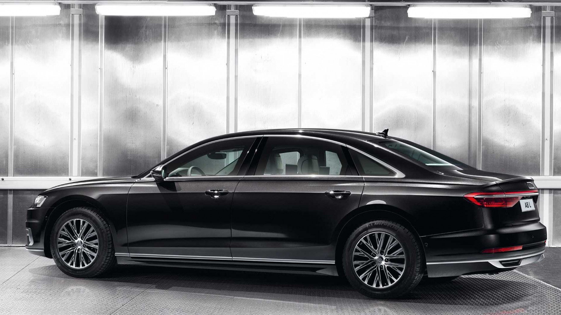 Performance and New Engine Audi A8