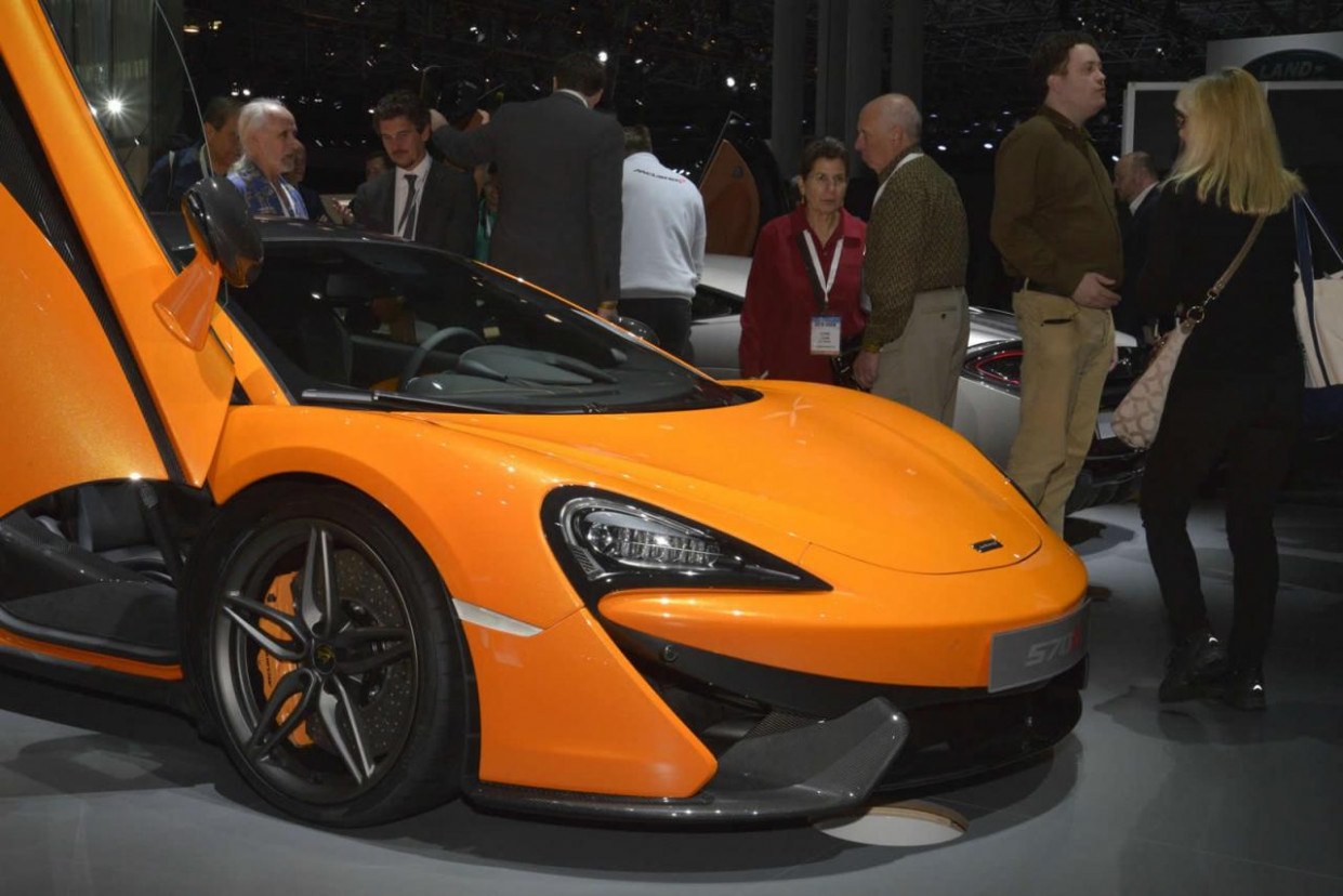 Specs and Review 2022 McLaren 570S Coupe