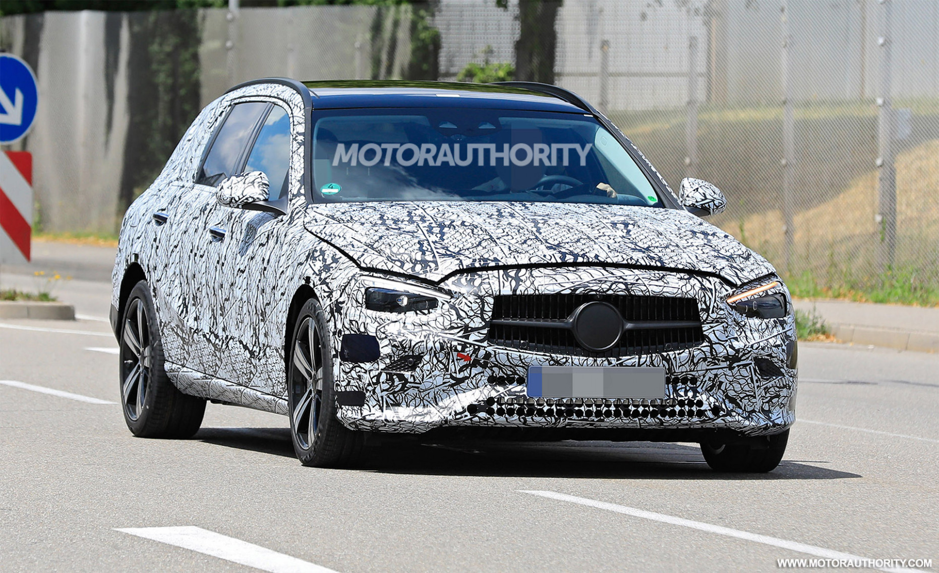 Picture 2022 The Spy Shots Mercedes E Class