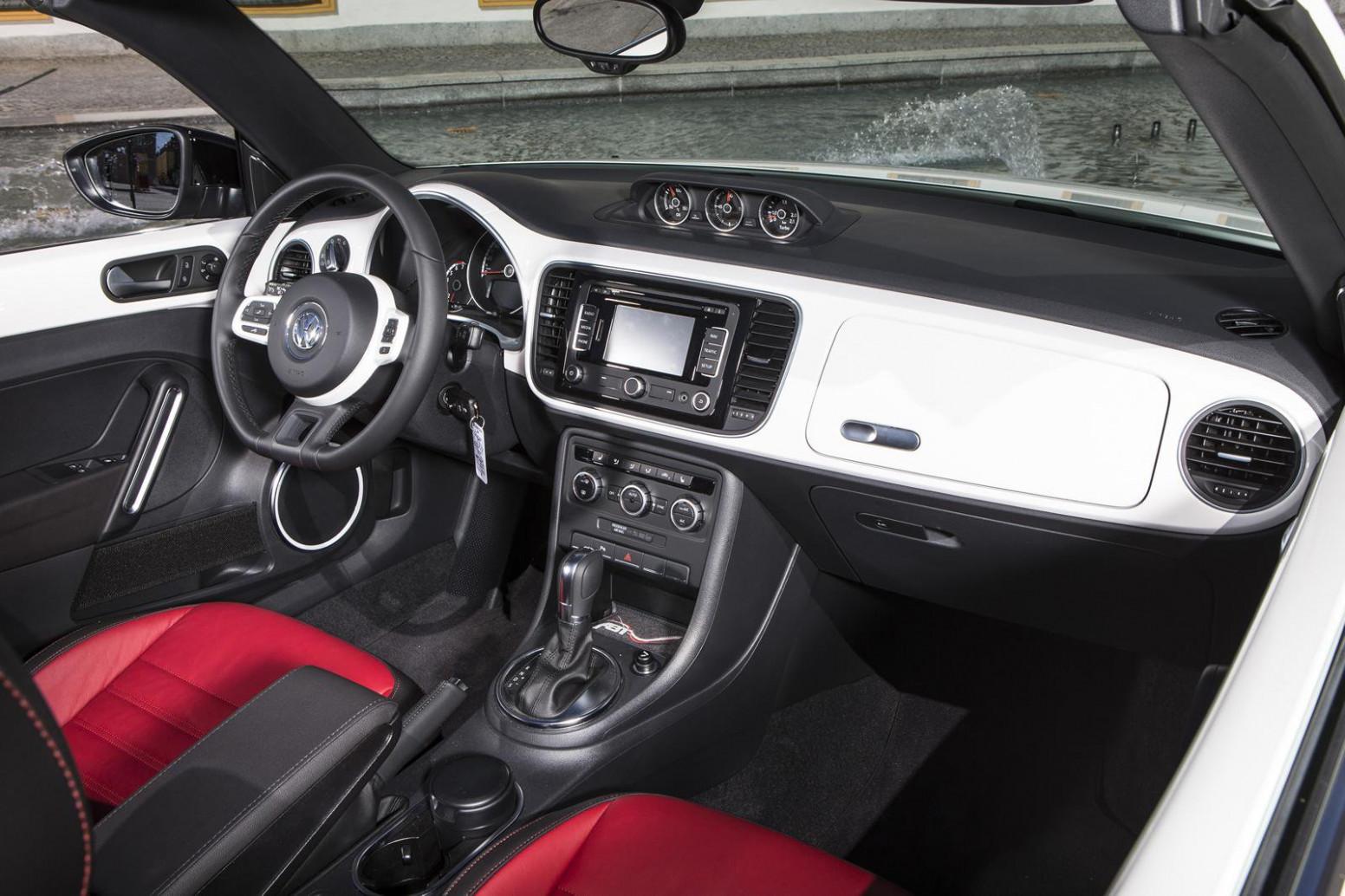 Overview 2022 Volkswagen Beetle Convertible