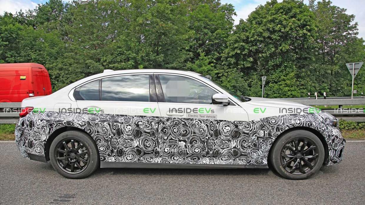Prices BMW Series 3 2022