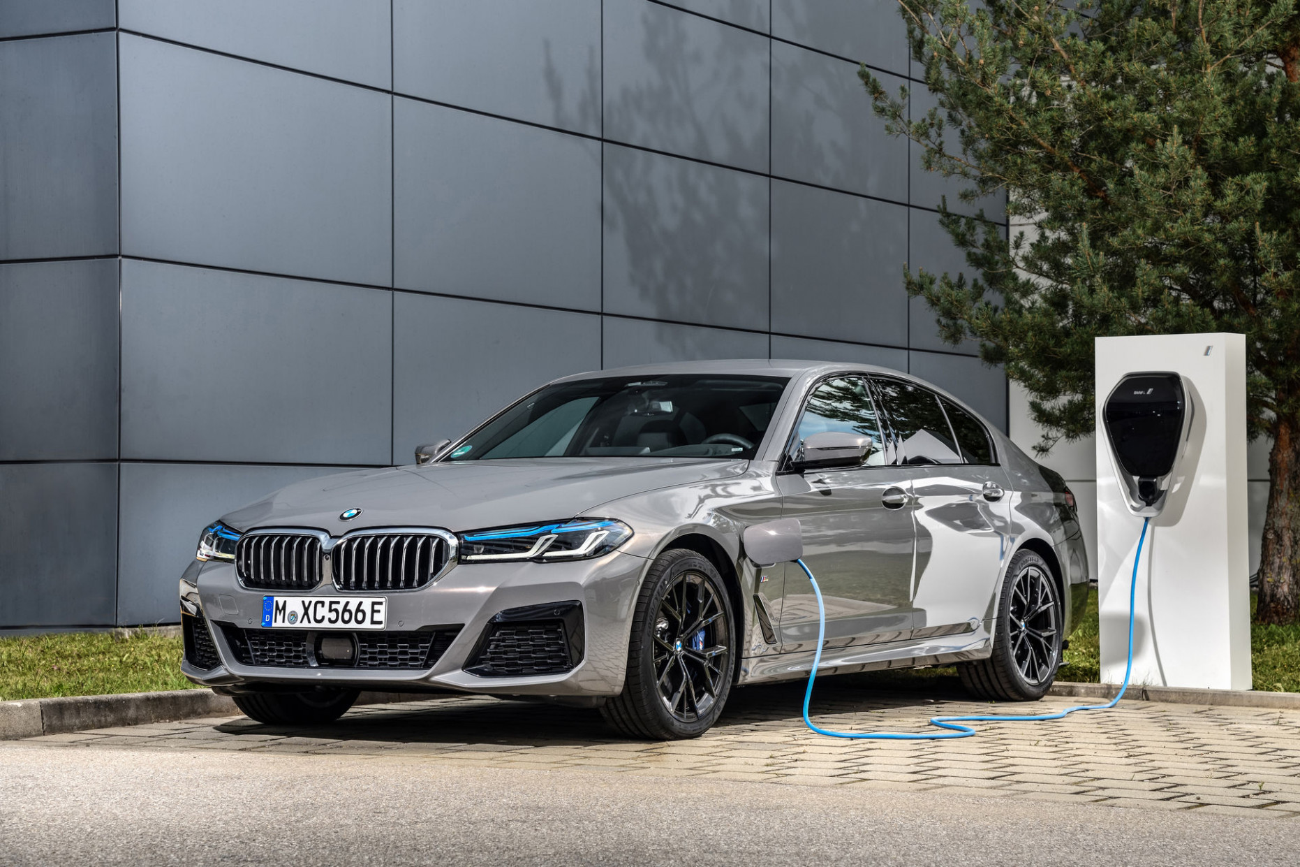 Price, Design and Review 2022 BMW 220D Xdrive