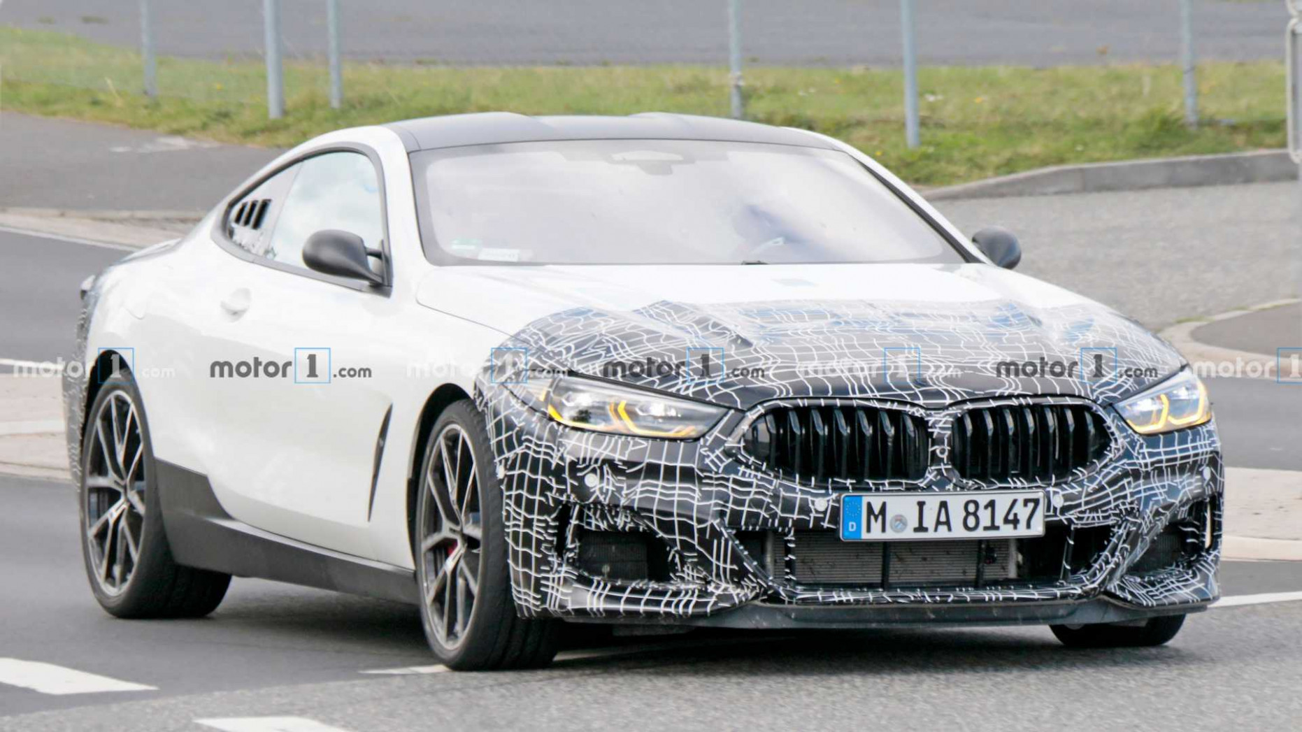 Pictures 2022 BMW M8