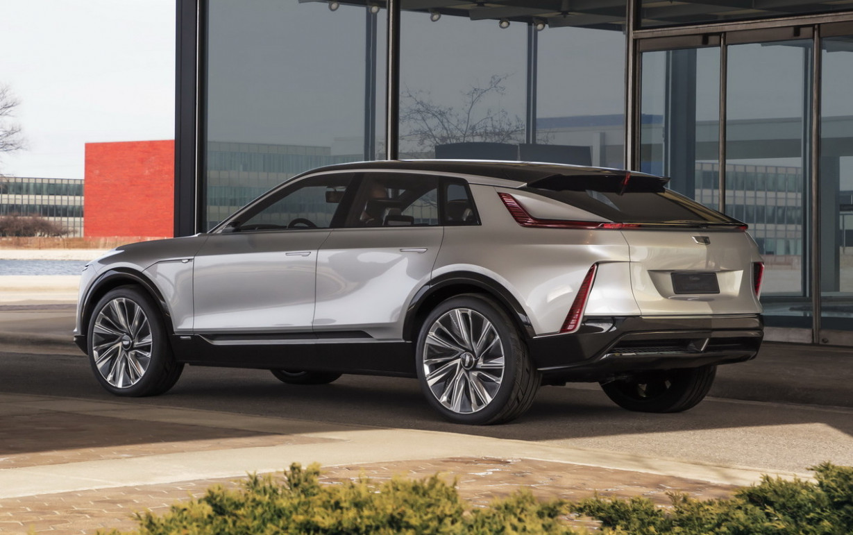 New Model and Performance Cadillac X6 2022