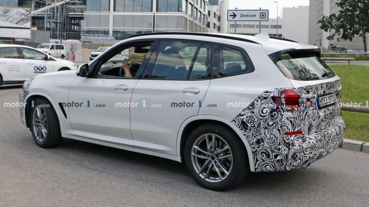 Wallpaper 2022 BMW X3 Hybrid