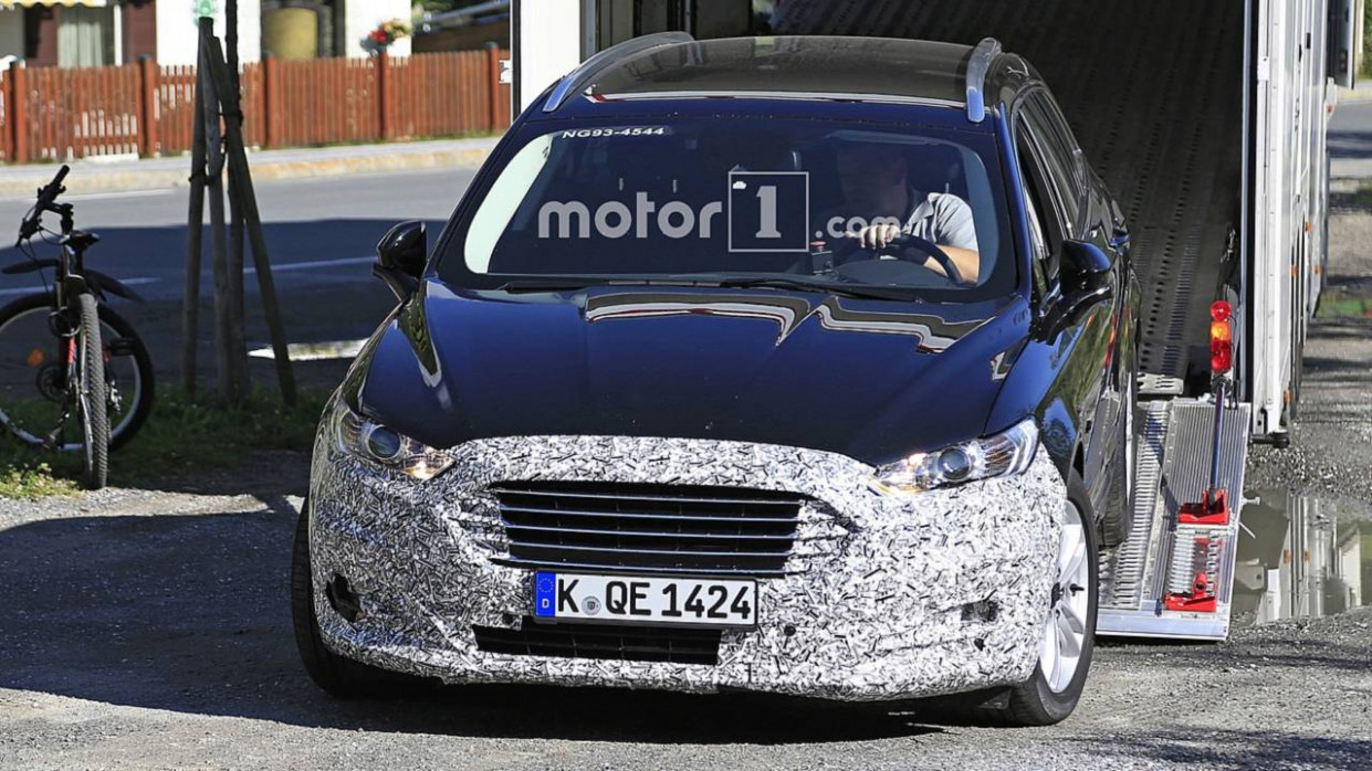 Images 2022 Ford Fusion Energi