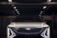 redesign and review cadillac midsize suv 2022