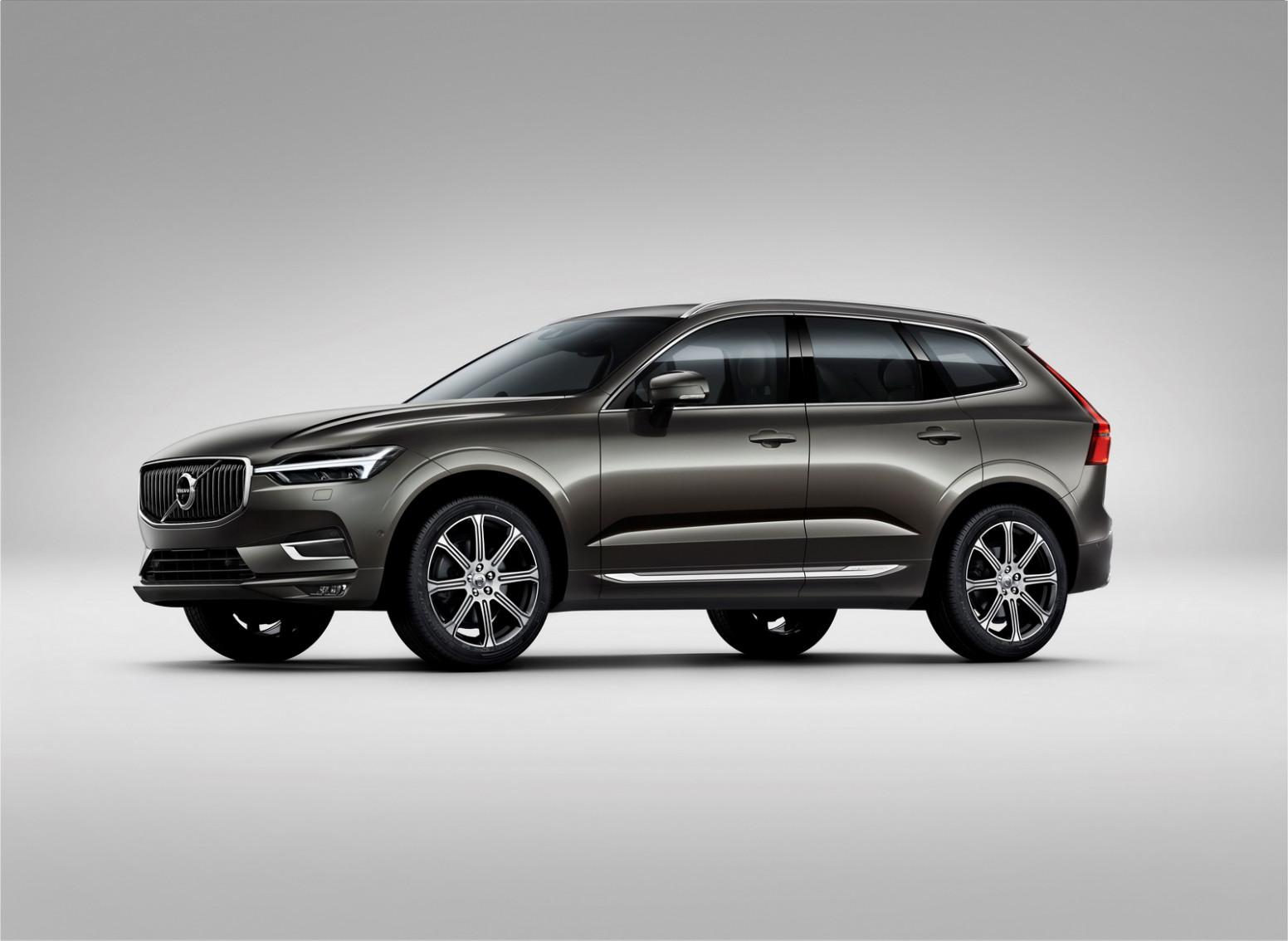 Review Volvo New V40 2022