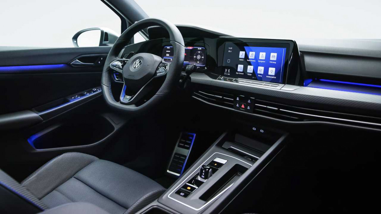 Specs and Review 2022 VW Golf R USA