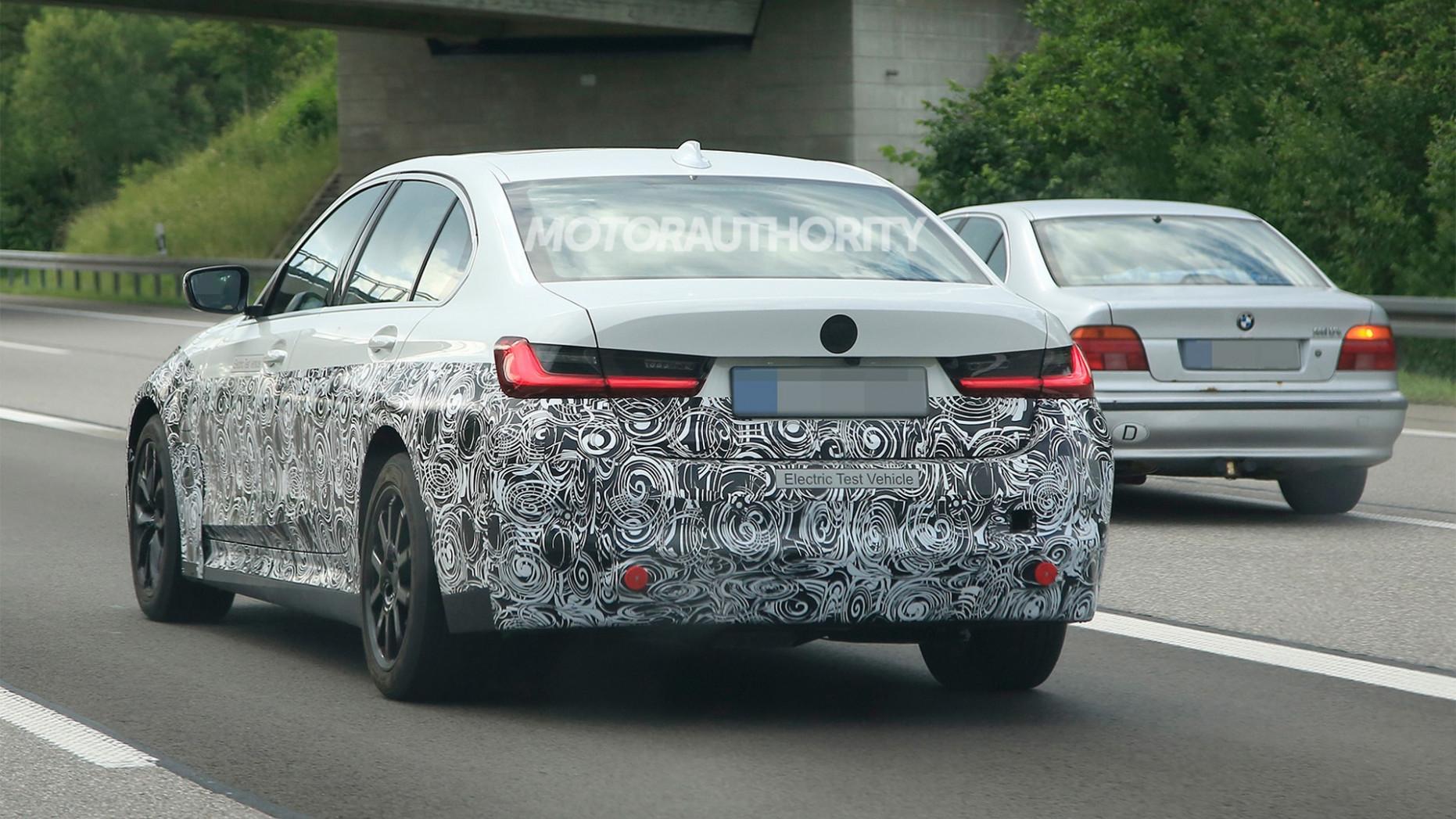 Spesification 2022 BMW 3 Series
