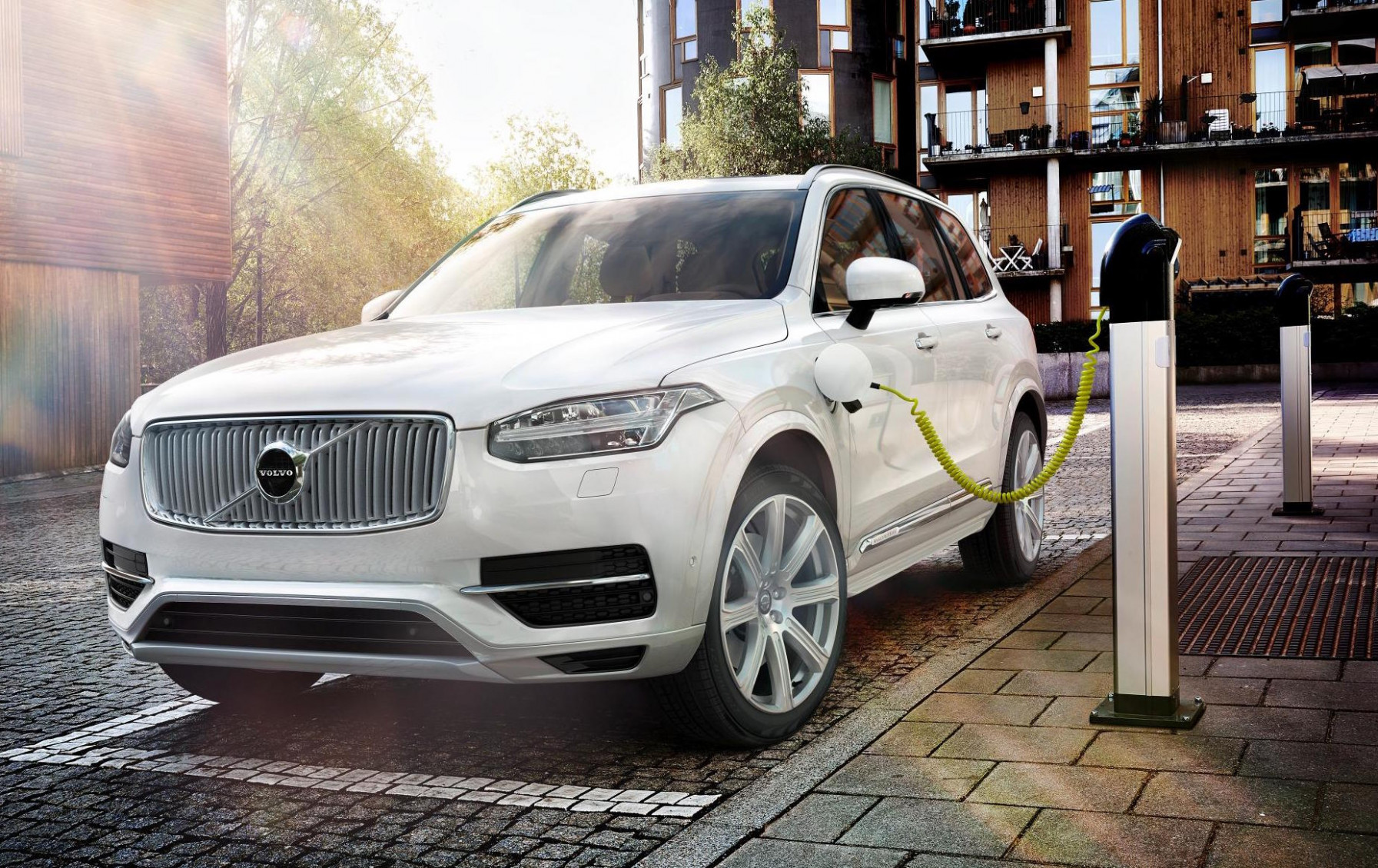 Review Volvo Electric By 2022