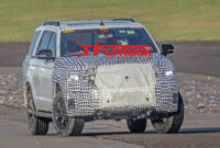 research new 2022 ford excursion