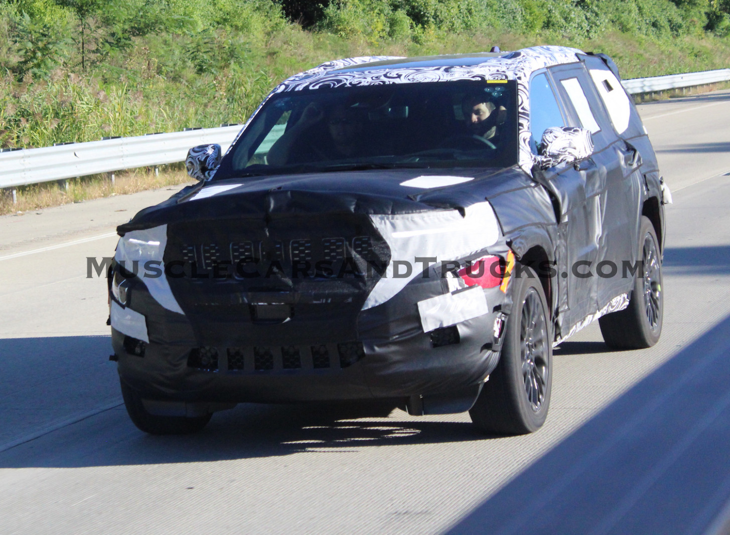 Pictures 2022 Jeep Grand Cherokee Srt8