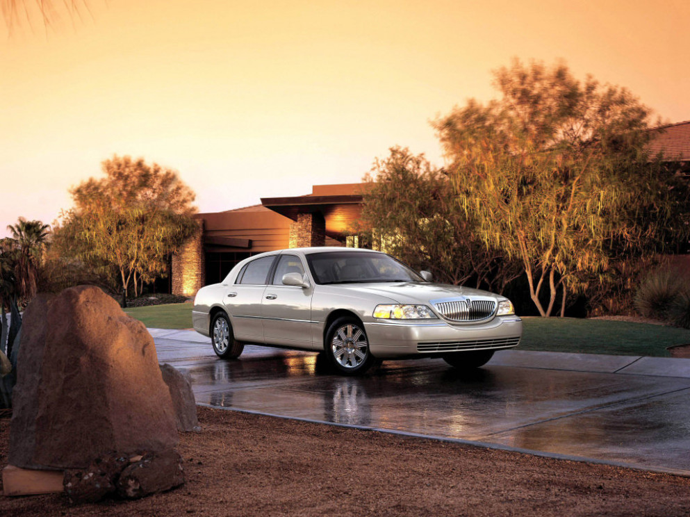 Price 2022 Lincoln Town Car