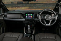 review mazda bt 50 2022 interior