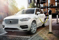 review volvo all electric by 2022
