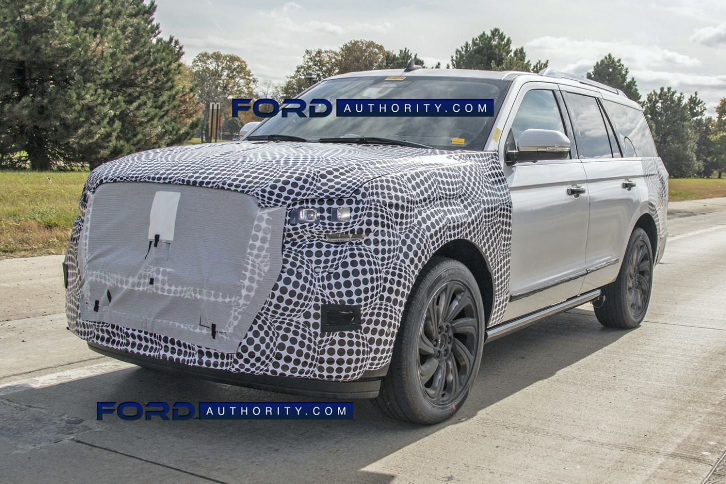 Overview 2022 Lincoln MKS Spy Photos
