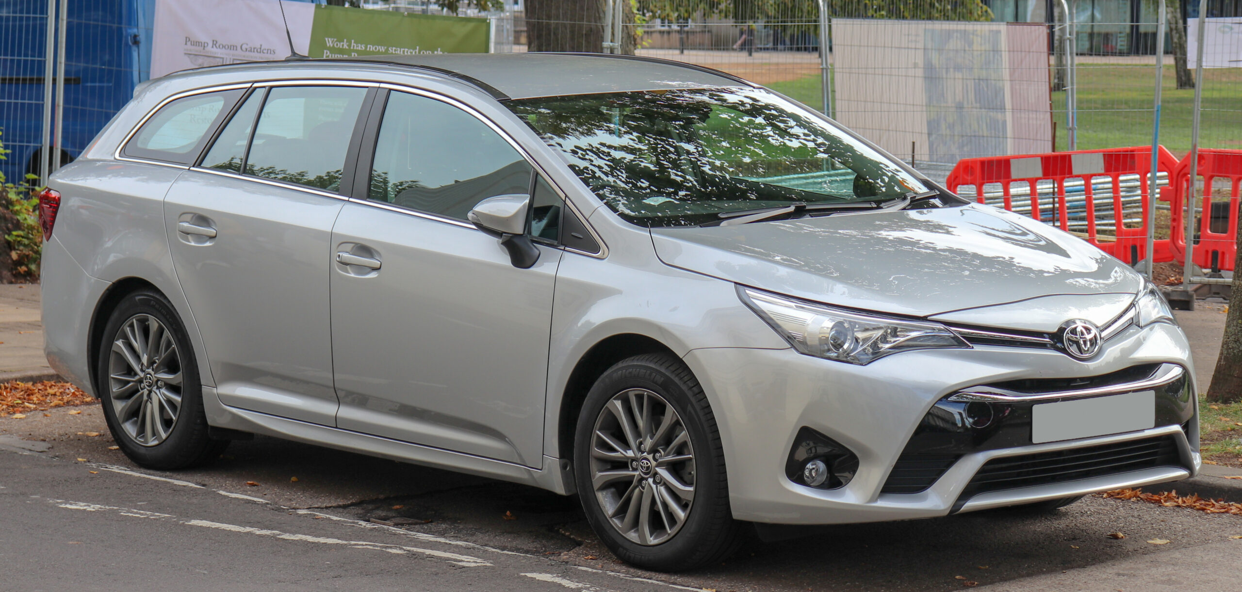 Review 2022 Toyota Avensis