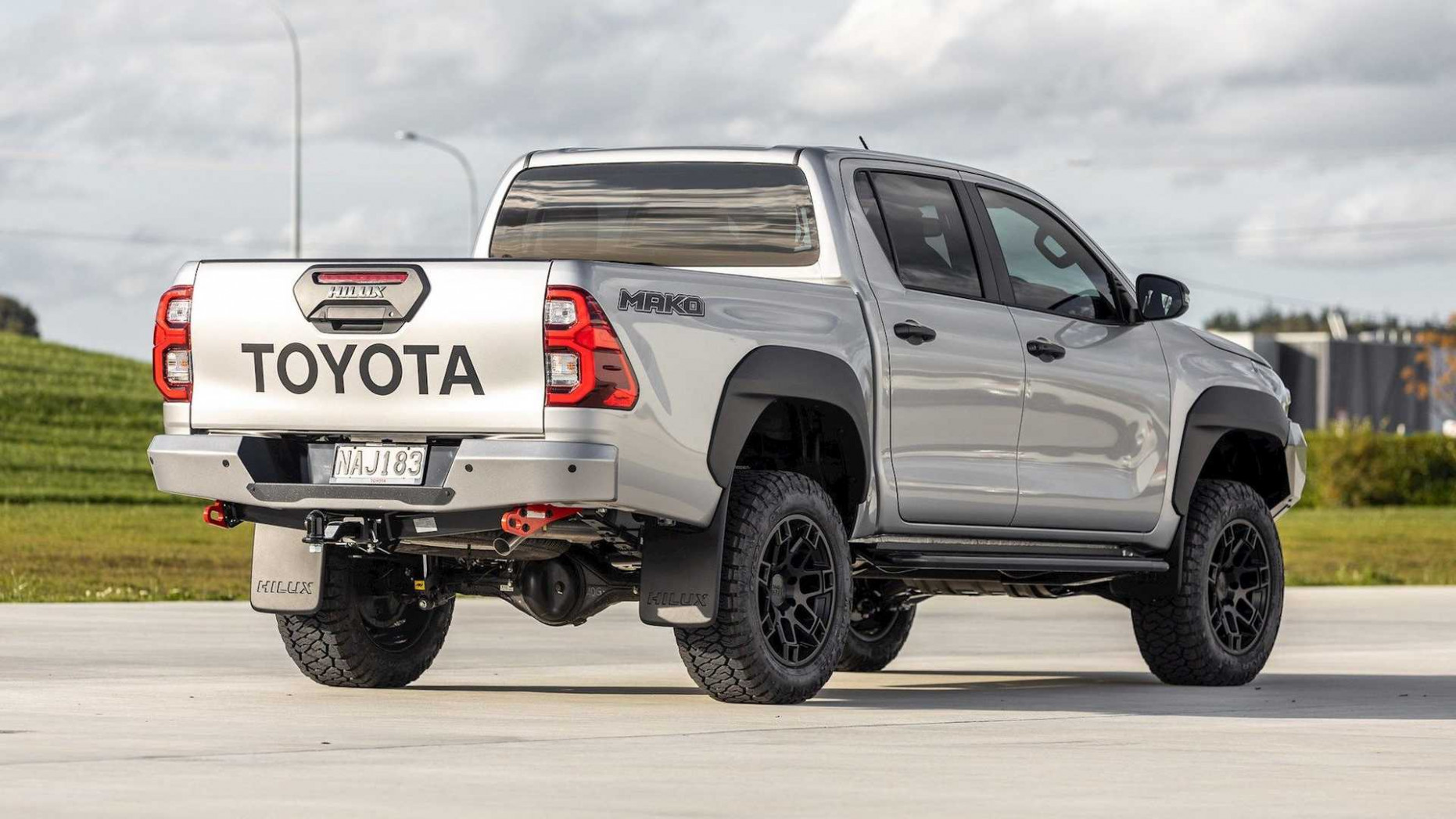 Overview Toyota Hilux 2022 Usa