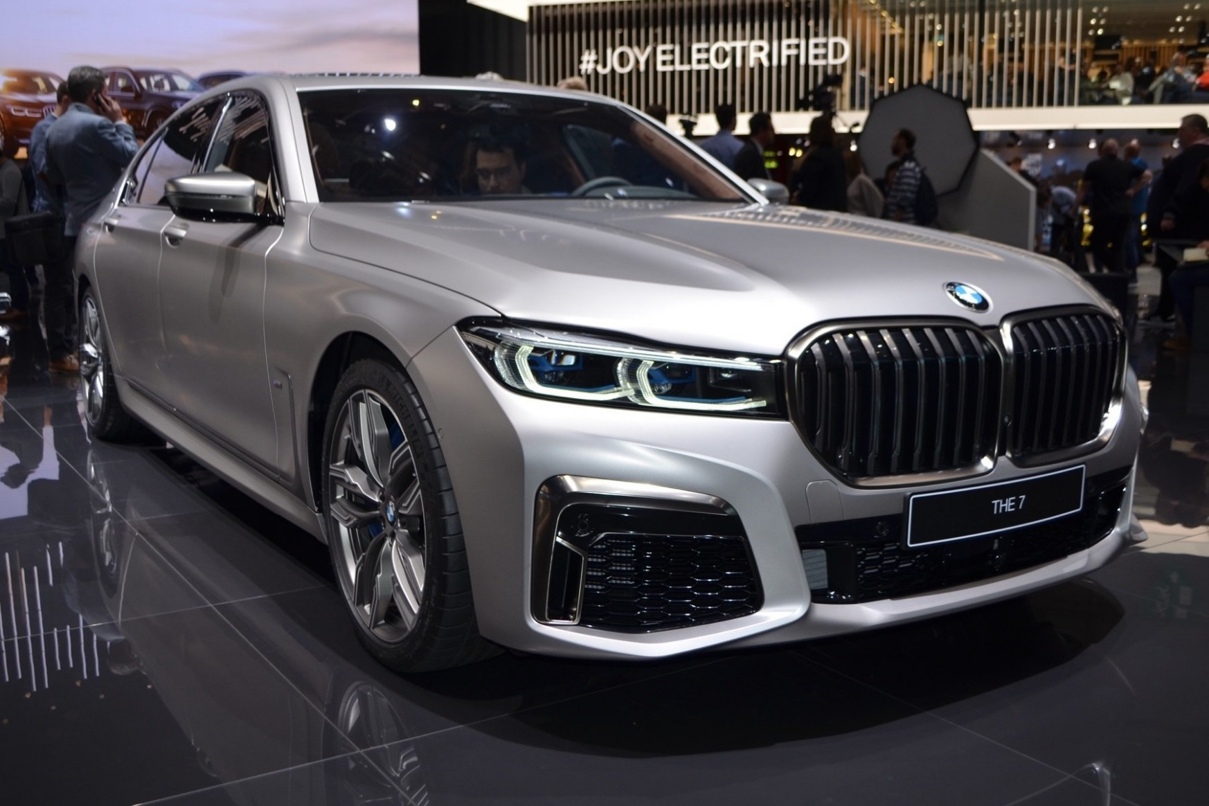 Redesign and Review 2022 BMW 750Li