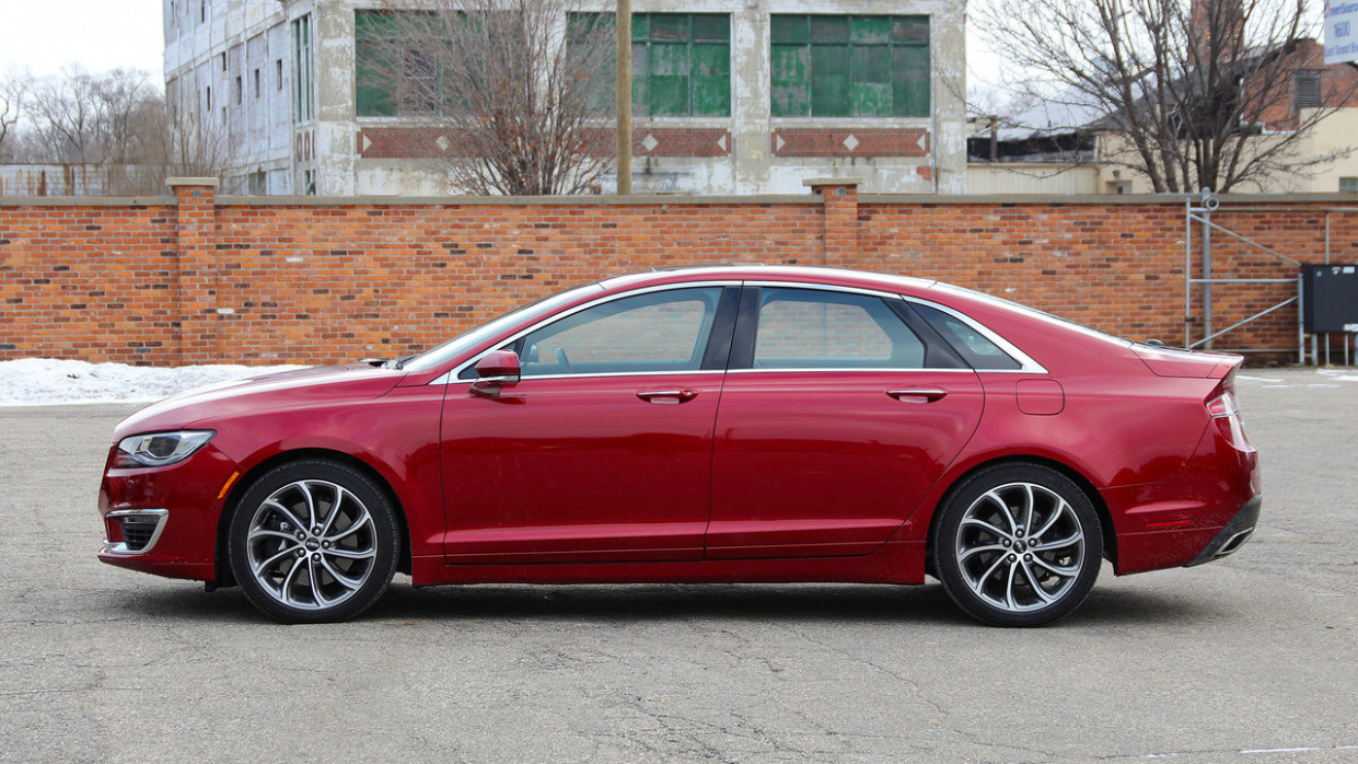 Style 2022 Lincoln MKZ