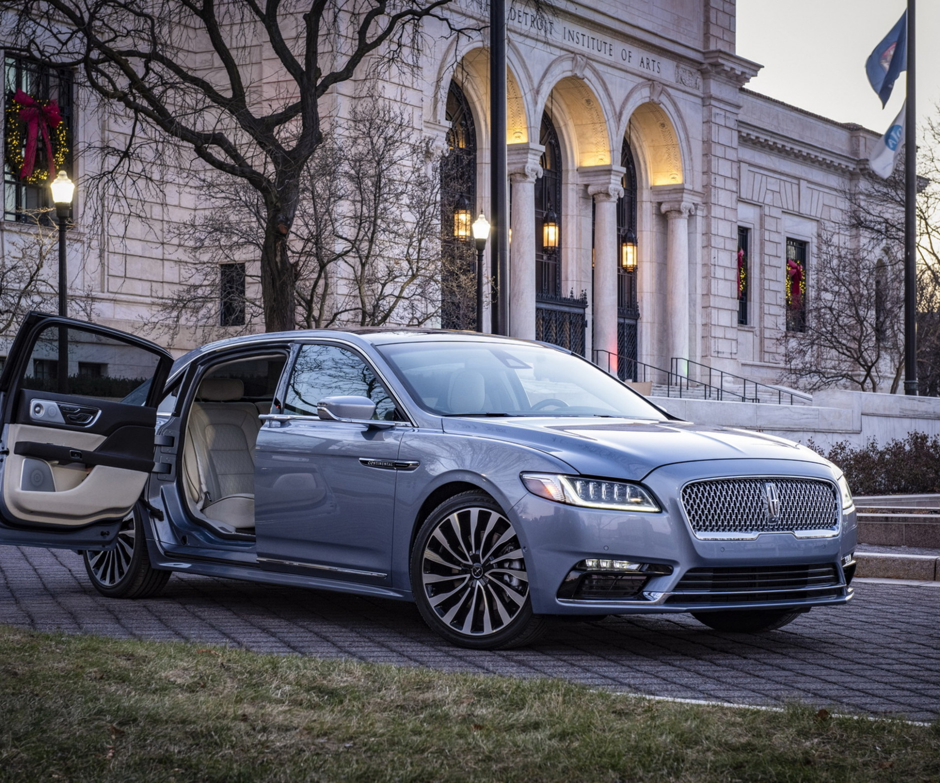First Drive 2022 Lincoln Continental
