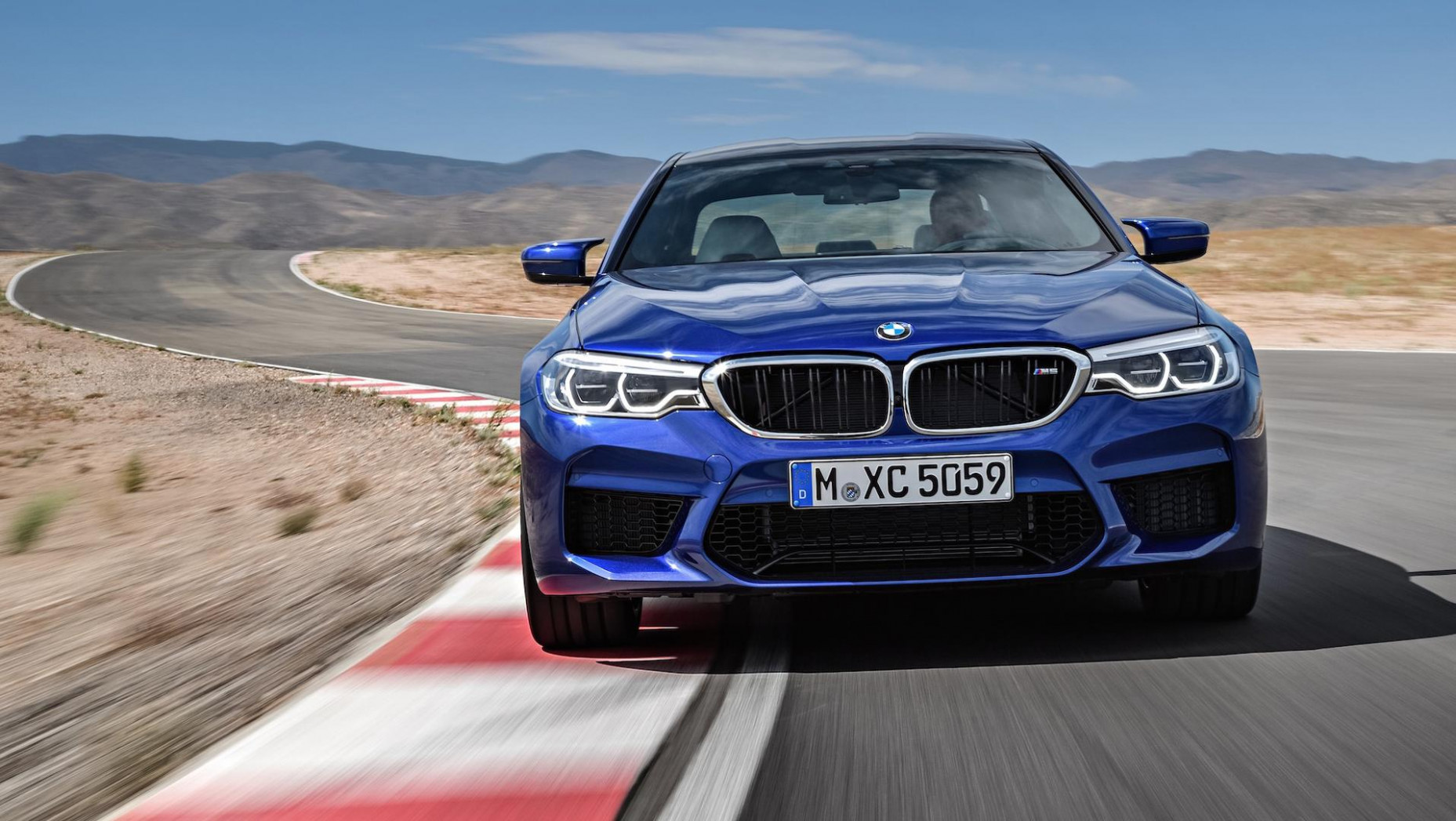 Performance and New Engine 2022 BMW M5 Xdrive Awd
