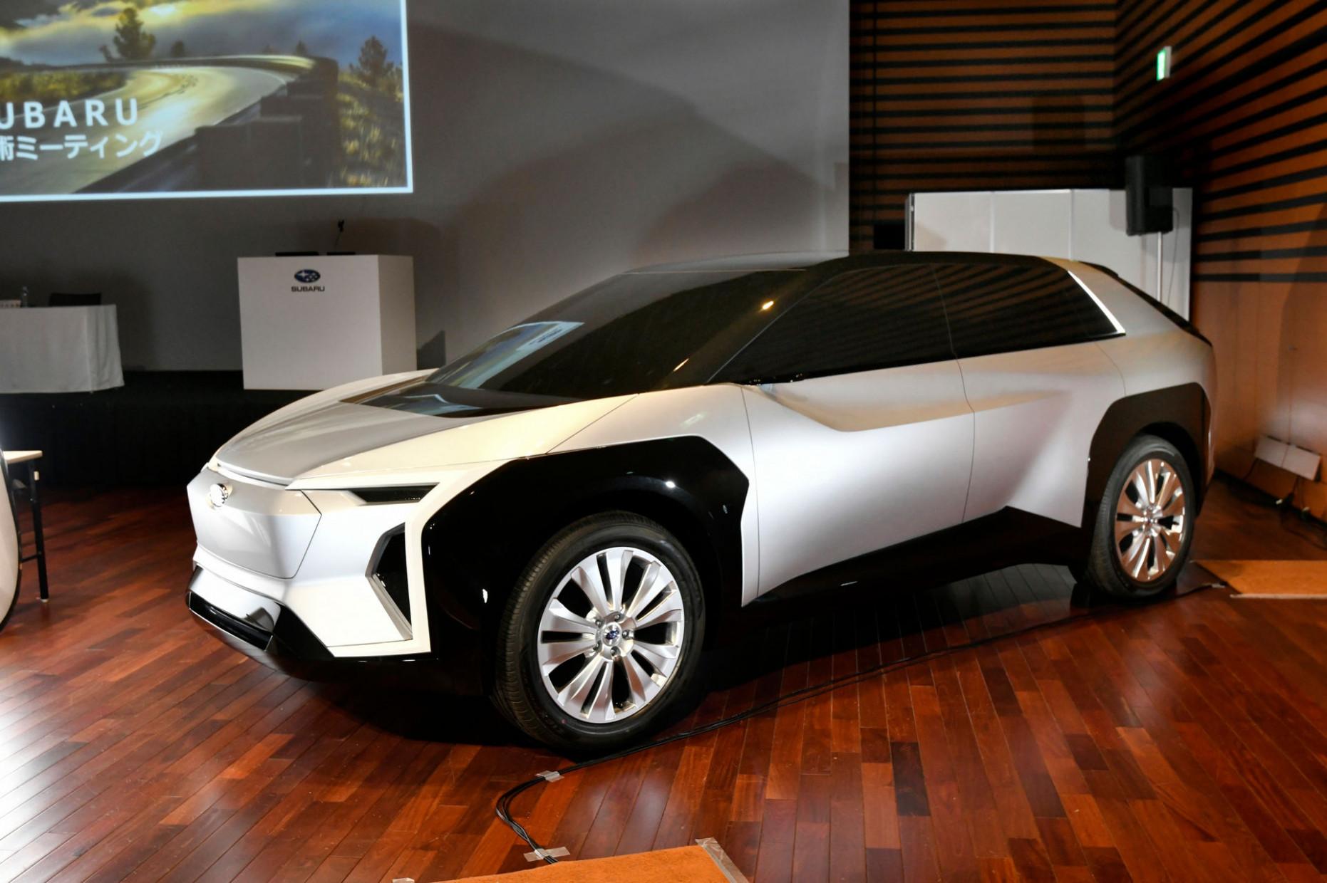 Review 2022 Subaru Crosstrek Hybridand