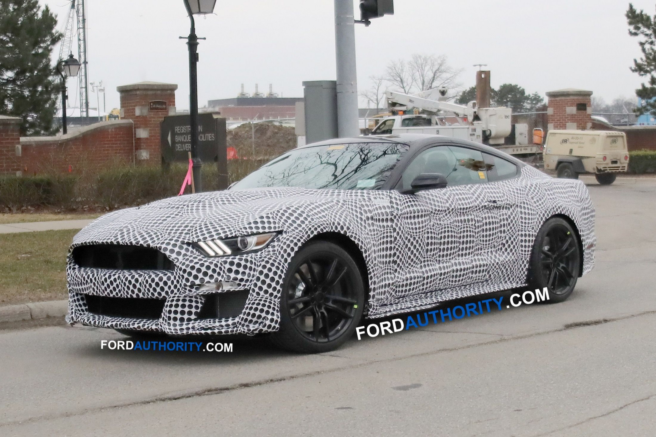 Exterior and Interior Spy Shots Ford Mustang Svt Gt 500
